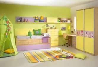 green-yellow-room