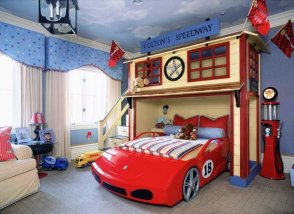 traditional-car-themed-kids-room