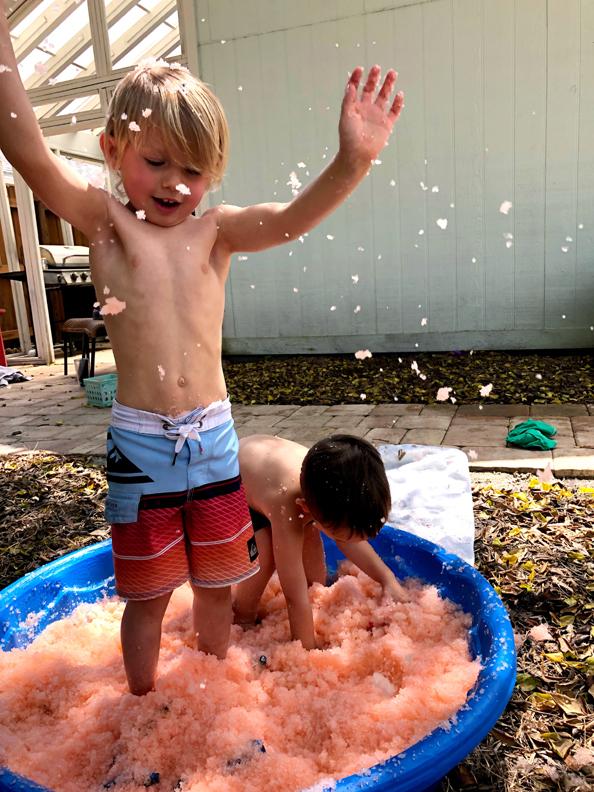 Gelli Baff Slime Review: Bathtub vs BabyPool