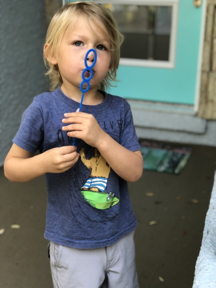 blowing-bubbles-4